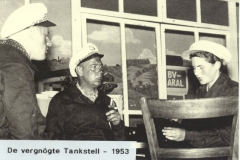 064_1953_De_vergnoegte_Tankstell_3